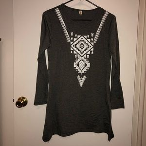 Tops - Newlight Gray Shirt with White Aztec Designs
